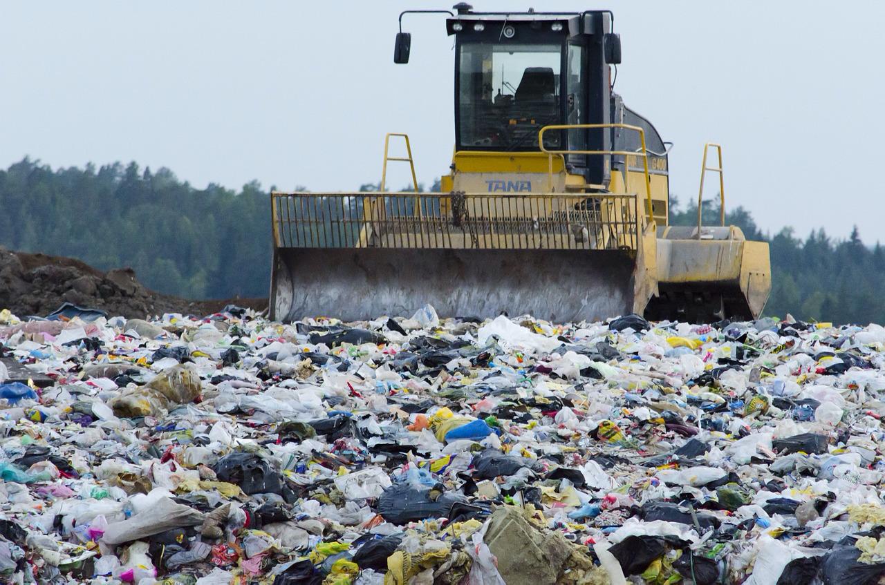 Každý člověk za rok vyhodí 339 kg různého odpadu